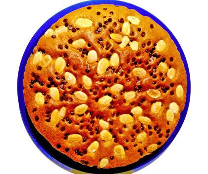 Torta morbida alla vaniglia con mandorle e gocce di cioccolatocioccolato